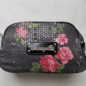 Betsey Johnson cosmetics case